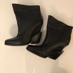 Theyskens' Theory Leather Booties